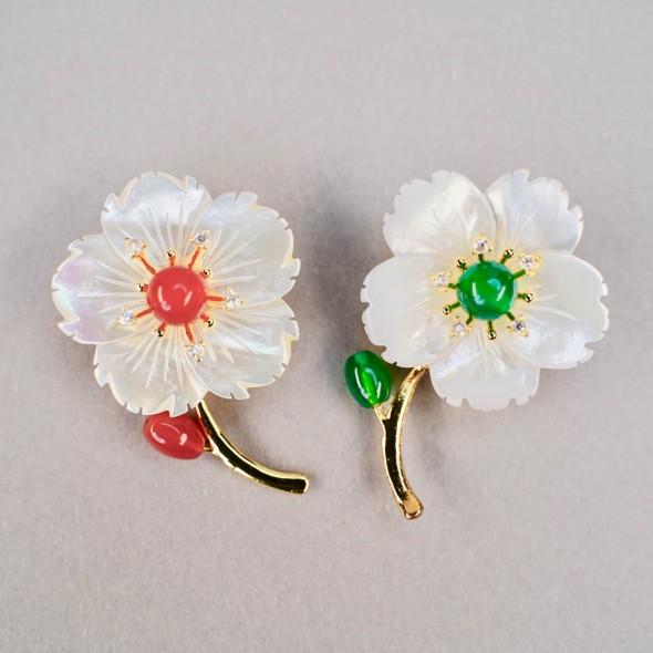 Брошь «Цветок на ветке с бутоном»