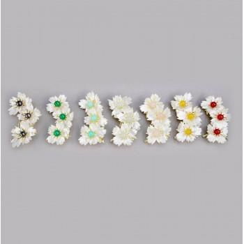 Брошь «Три цветка на ветке»