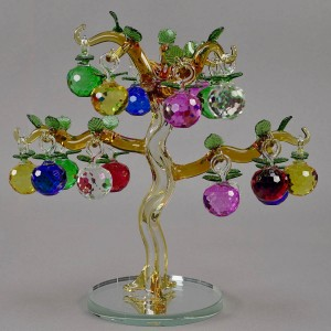 Яблоня 6-ти цветная, 18 маленьких яблочек на дереве