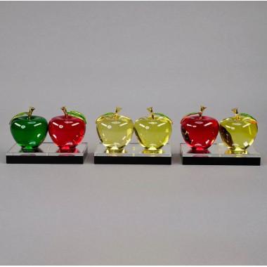 Яблоки на подставке